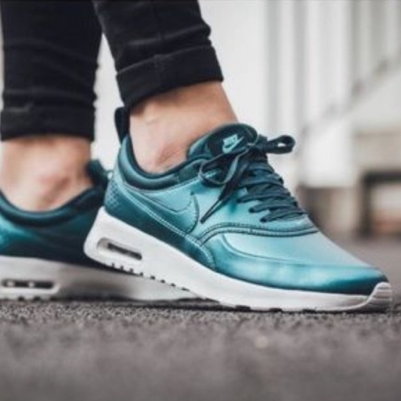Nike Shoes - BRAND NEW Nike Air Max leather sneakers teal